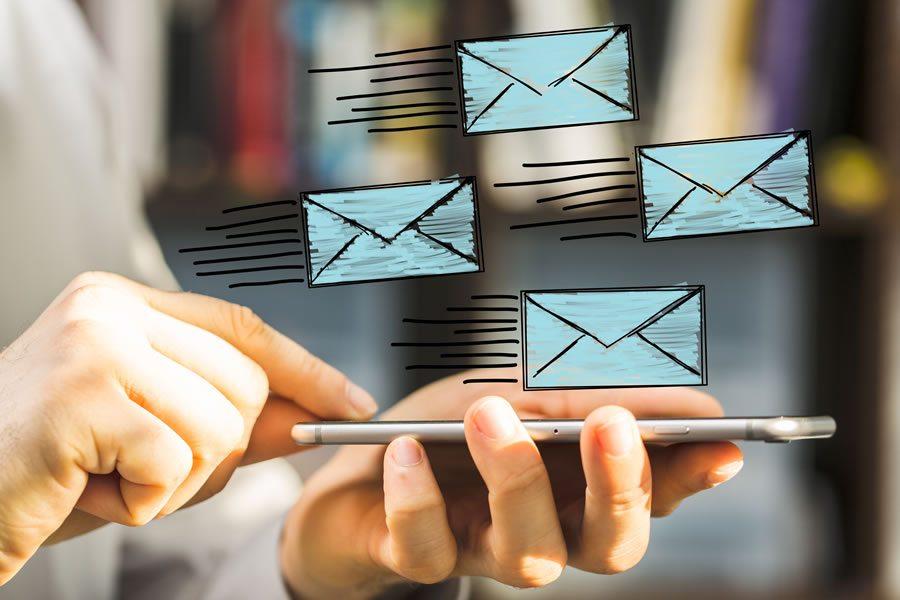 como crear un mensaje de auto respuesta en correo